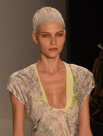 Aline Weber - Weber in the SS2012 Narciso Rodriguez fashion show