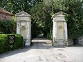 Amesbury - Former Abbey Gates - geograph.org.uk - 1459777.jpg