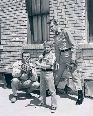 Ken Berry - Ken Berry, Andy Griffith and Buddy Foster in Mayberry R.F.D., 1968