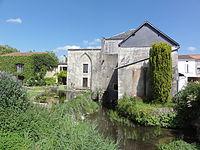Annepont (Charente-Maritime) moulin à eau.JPG