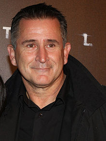 Anthony LaPaglia crop.jpg