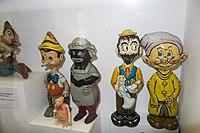 Antique tin toys (26581532474).jpg