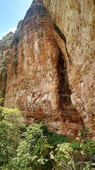 Artefato rochoso antigo.jpg