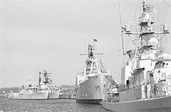 Ausländische Kriegsschiffe an der Tirpitzmole zur Kieler Woche 1967 (Kiel 41.602).jpg