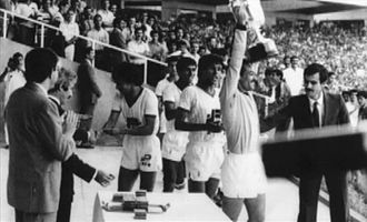 MC Oran - Sebaâ, Algerian Cup winner in 1985