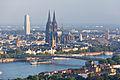 Ballonfahrt über Köln - Rhein, Deutzer Brücke, Kölner Dom, Groß St Martin, KölnTurm-RS-4085.jpg