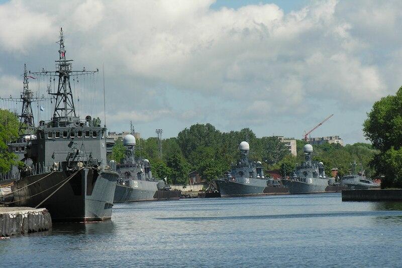 File:Baltic fleet ships in Baltiysk.jpg