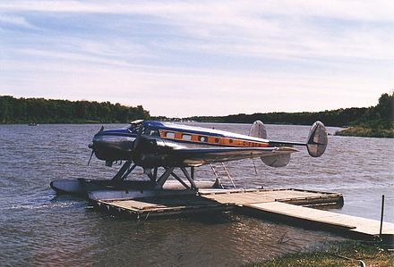 Beech 18 on floats in Manitoba, 1986 Beech18C-FSFHonFloats.JPG
