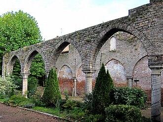 Béthune - Image: Bethune ruines recollets