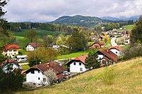 Bezina - v ozadju Brinjeva gora - pomlad 2016 (Bezina village - spring 2016) - panoramio.jpg