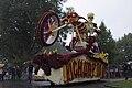 Bloemencorso Beltrum skelet met motorfiets.jpg