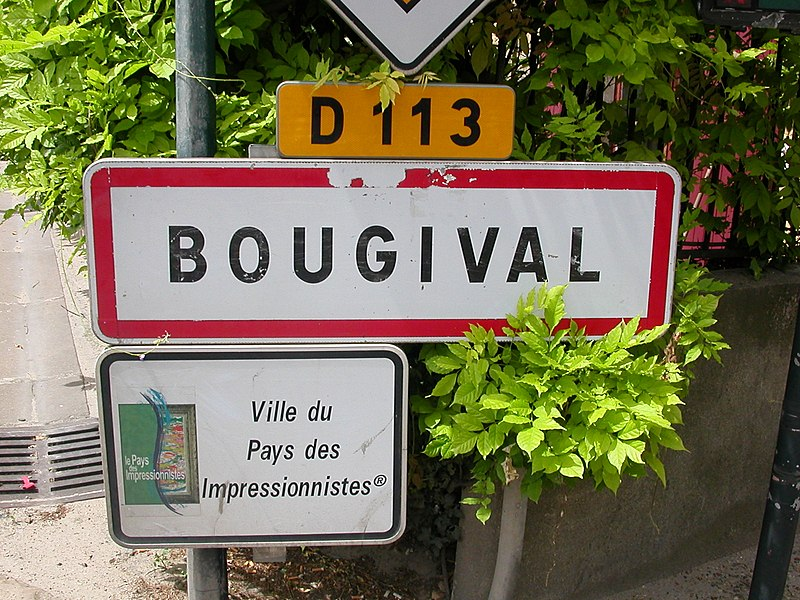 Bougival's city limit sign on departmental road 113
