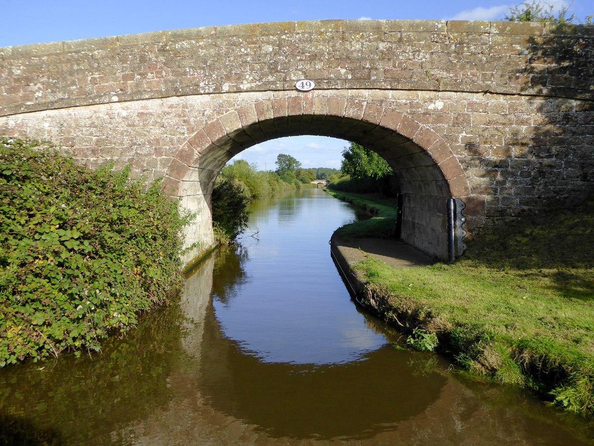 Bridge No. 49, Shropshire Union Canal.jpg