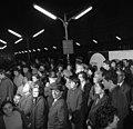 Budapest-Keleti pályaudvar 1970, utazókat búcsúztató hozzátartozók és barátok - Fortepan 87238.jpg