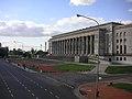 Buenos Aires - Floralis generica - Facultad de Derecho UBA.jpg