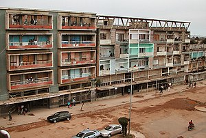 Buildings at Rua Cinco, Huambo, Angola.jpg