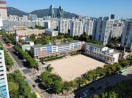 Bumgye Middle School, Photographed from Mugunghwa Hanyang·Hyosung Apartment rooftop.jpg