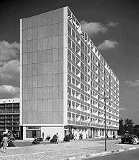 Bundesarchiv B 145 Bild-P046250, Berlin, Interbau, Wohnhaus.jpg