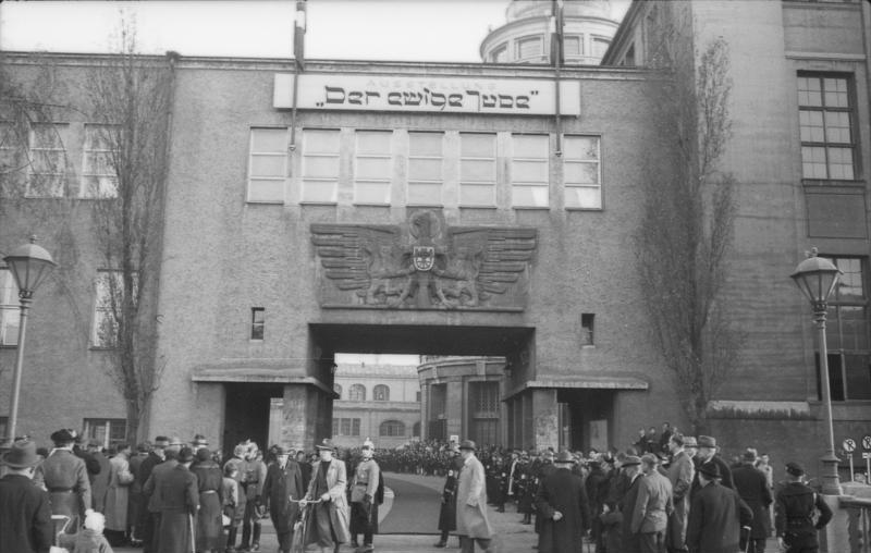 """Bundesarchiv Bild 119-03-16-05, München, Ausstellung """"Der ewige Jude"""""""