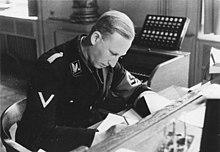 Il Brigadeführer Reinhard Heydrich, comandante, insieme a Heinrich Himmler, della Gestapo