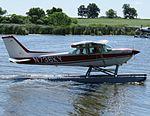 C172-HawkXP-Floats.jpg