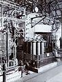 COLLECTIE TROPENMUSEUM Een grote boogzender in de zenderzaal van Radiostation Malabar TMnr 60019335.jpg