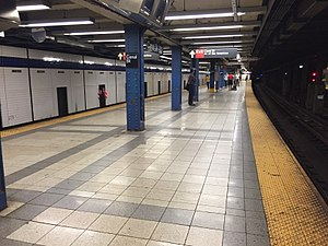 Canal Street (IND Eighth Avenue Line) - Image: Canal Street 8th Avenue Platform