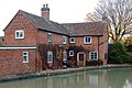 Canalside house at Fosse Wharf, Grand Union Canal - geograph.org.uk - 1556241.jpg