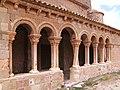 Caracena - Iglesia de San Pedro (Galeria Porticada).jpg