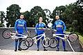 Carlos Ramírez Yepes y el equipo de BMX Tokio 2020 .jpg
