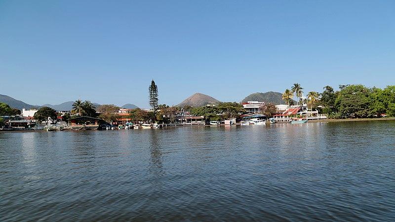 File:Catemaco Veracruz - panoramio.jpg