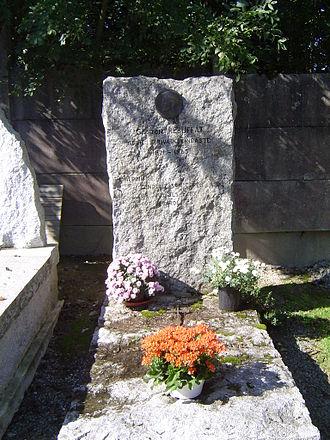Gaston Rébuffat - The gravestone of Gaston Rébuffat