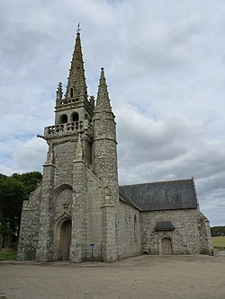 Chapelle Saint-Eloi à Saint-Nicolas-du-Pélem 01.JPG