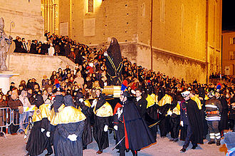 Chieti - Hooded men joining the Good Friday procession