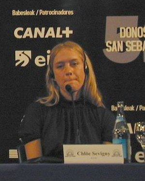Chloë Sevigny - Sevigny at a press conference for Melinda and Melinda
