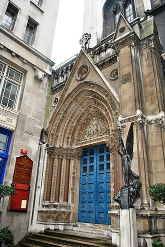St Michael, Cornhill - Entrance to St Michael, Cornhill, with war memorial to the right