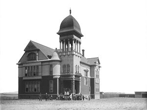 Paramount, California - School building in Paramount (then Clearwater) c. 1899