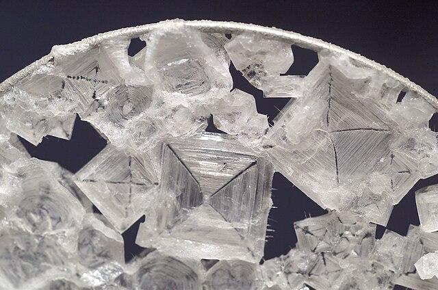 Saltkristaller i förstoring.