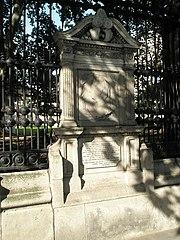 Memorial to Queen Victoria