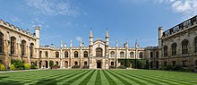 Corpus Christi College New Court, Cambridge, Reino Unido - Diliff.jpg