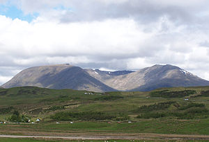 Creise - Creise (left) and Meall a' Bhuiridh (right) seen from the SE.