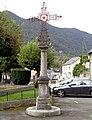 Croix de mission, place Orteig, Louvie-Juzon, Pyrénées-Atlantiques DSC06557.jpg