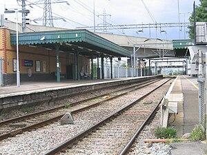 Dagenham Dock railway station - Image: Dagenham Dock station geograph.org.uk 194906