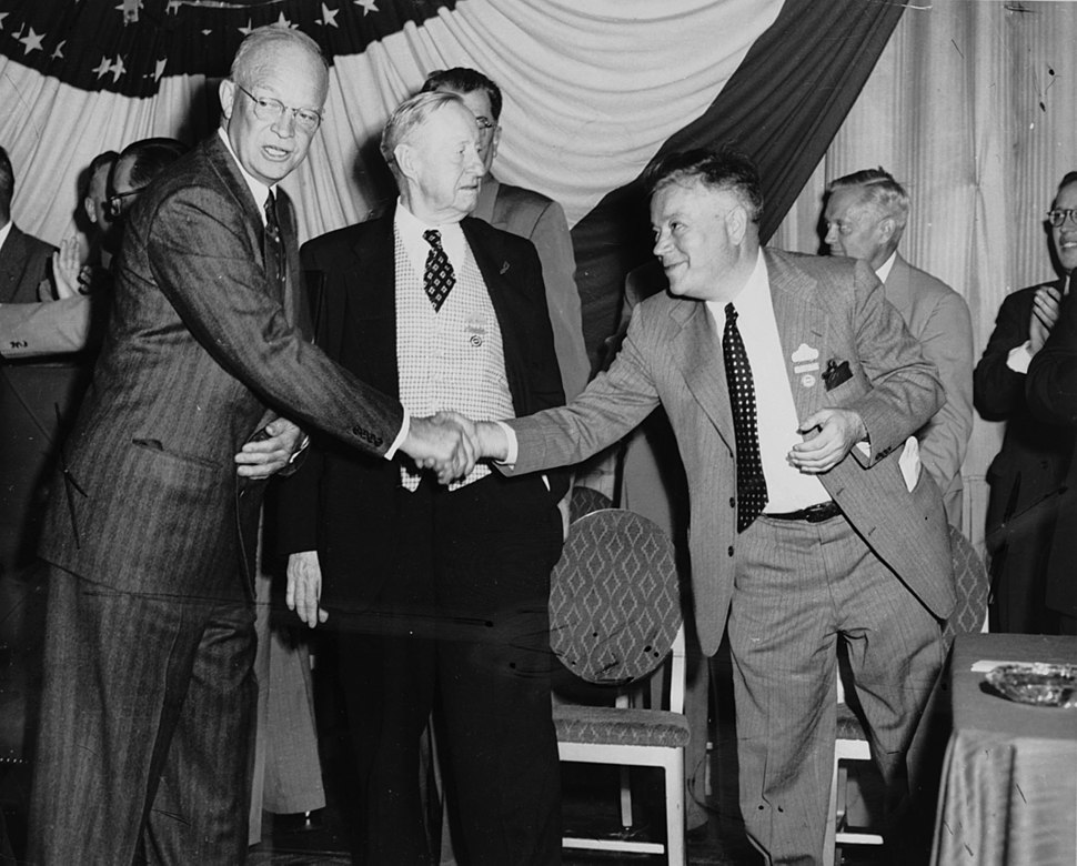David Dubinsky shakes hands with President Dwight Eisenhower at the AFL convention, September 15, 1952.
