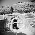 De ingang van de Maria Grafkerk, Bestanddeelnr 255-5352.jpg
