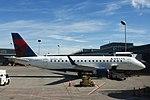 Delta N617CZ Embraer EMB-175 (29218441093).jpg