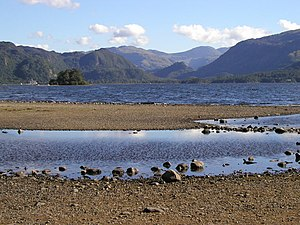 2006 European heat wave - Low water levels at Derwent Water, Cumbria, July 2006