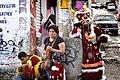 Descanso durante la procesión de los Santos Reyes.jpg