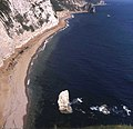 Durdle Door beach from Bat's Head - geograph.org.uk - 480740.jpg