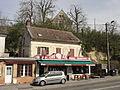 Duvy (60), café et manoir, rue de Senlis.JPG